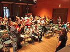 LEHM 2012: Stehende Ovation für den scheidenden 1. Vorsitzenden Dr. Horst Schröder (Mitte, sitzend)