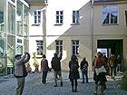 LEHM 2012: Historisches Hummelhaus mit modernem Anbau, links